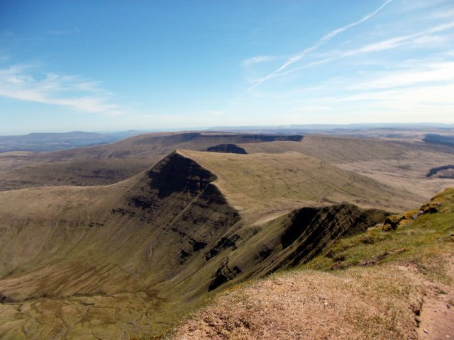 The route from Pen y Fan continues over Cribyn